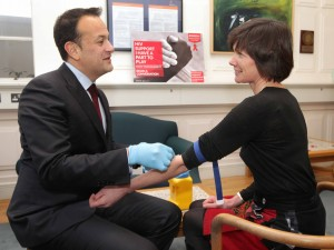 26/11/2015 Do you know your HIV status? Minister  for Health, Leo Varadkar TD, with Fiona Lyons, HSE Clinical lead for Sexual Health, getting tested for HIV as part of the National World AIDS Day (WAD) campaign #WADirl. Photo: Mark Stedman/Photocall Ireland